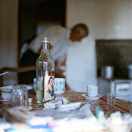 Paprasta ir tuo ypatinga serbų trobos atmosfera, karštas pienas, stikliukas spiritinio gėrimo ir besišypsantys veidai. >>>